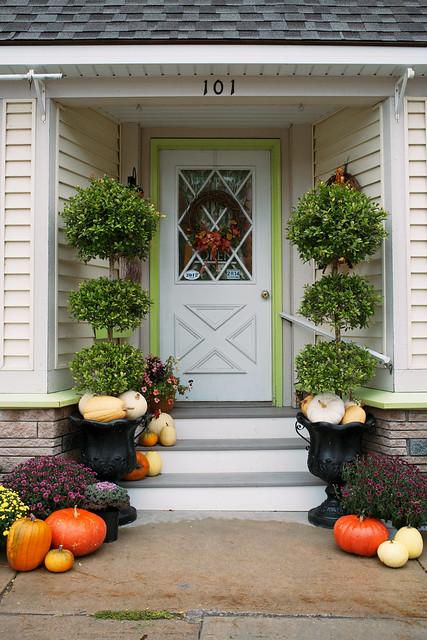 Autumn entranceway.