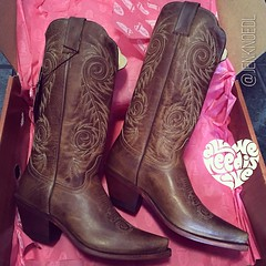 When in Texas… #boots #cowboy #cowgirl #austin #wedding #dance #twostep #bootscootin