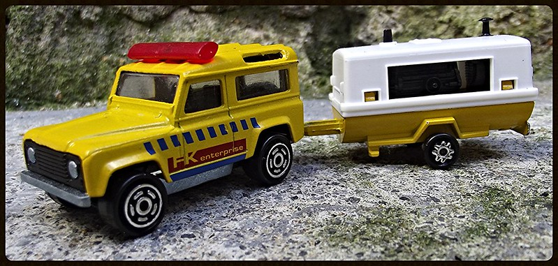 N°382 Land Rover + Compresseur  15351577080_0527720dcd_c