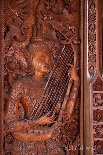 Chiang Mai - Wood Carving in Wat Buppharam