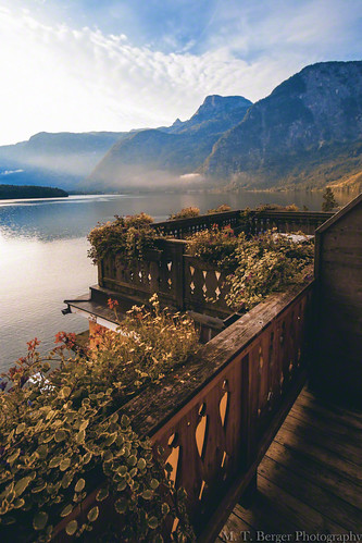 lake mountains beautiful landscape austria amazing view balcony autriche hallstatt hallstättersee grünerbaum lakehallstatt hotelgrünerbaum skyfreezer
