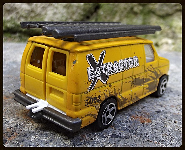 N°270/271 Ford Econoline 15387844457_d3c1fb571a_z
