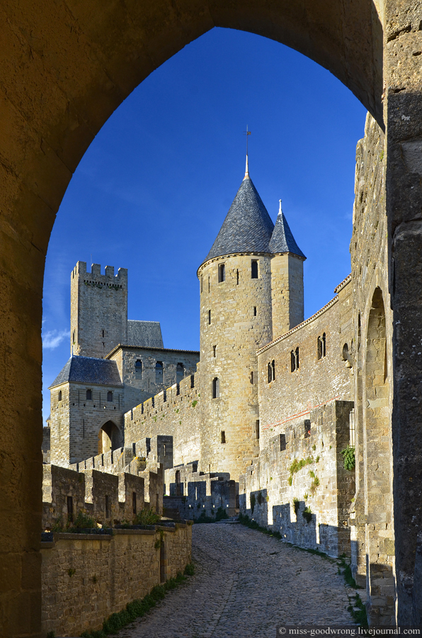 30 Carcassonne