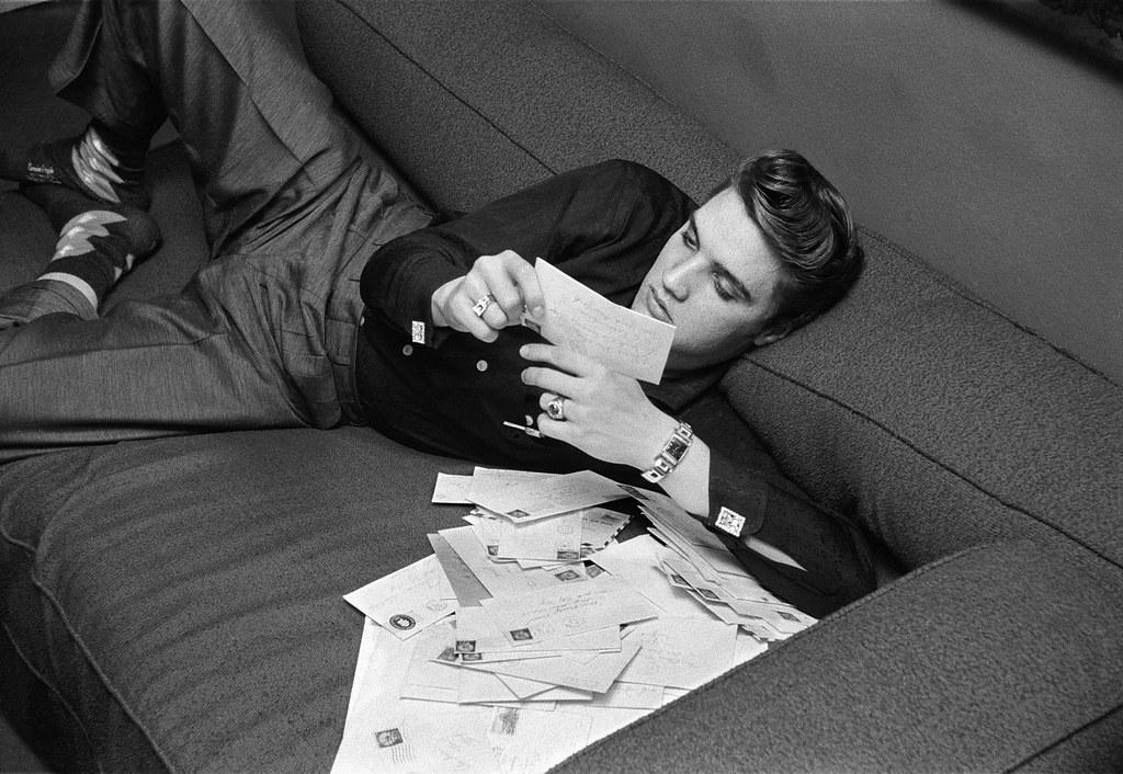 ELVIS PRESLEY in the STUDIO 1956 PHOTO Listening BETWEEN TAKES NEW YORK