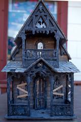 AbandonedDollHouse-9