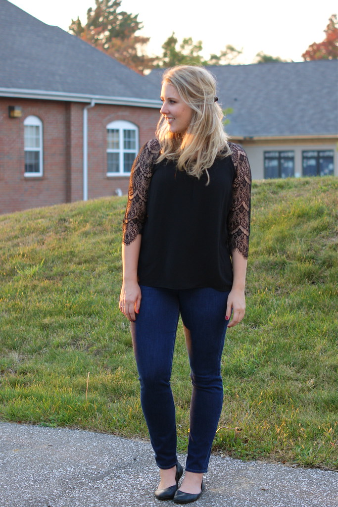 lace shirt and skinny jeans