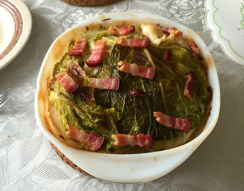 Stuffed Cabbage with bacon - finished baking / Gefülltes Kraut mit Speck - Fertig gebacken