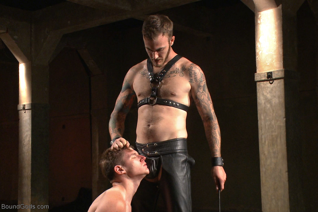 Leather Gay Master 48
