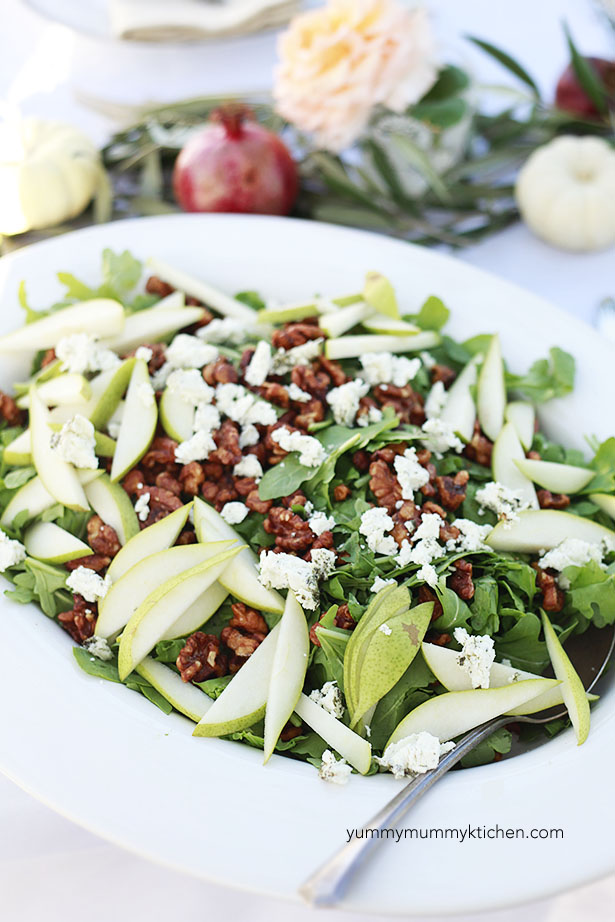 salad with pears and walnuts