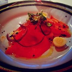 En la cena del sciolismo, el salmón rosado era naranja...
