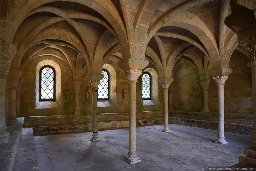 24 Abbaye de Fontfroide