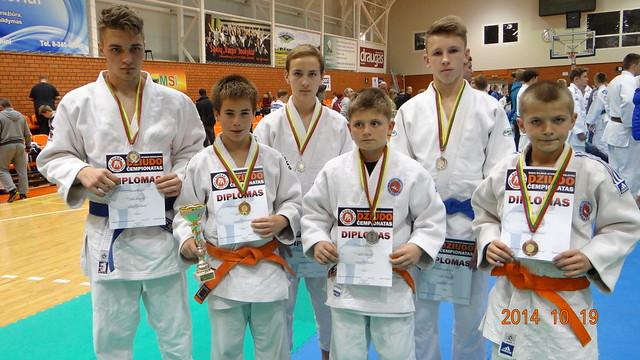 1 Iš kairės Gintautas Gaučys, Alenas Miklovas, Deividas Miknius, Jonas Žilius, Laurynas Banys, Vytautas Petreikis.
