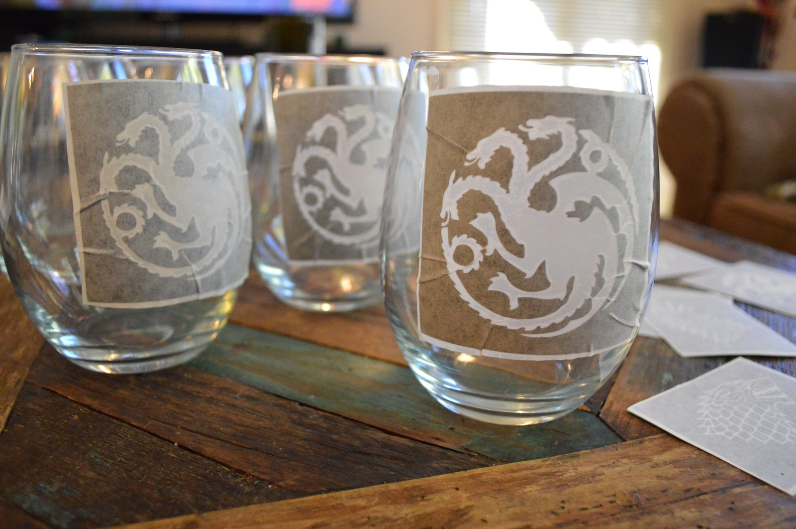 Homemade Game of Thrones House Sigil Pint & Wine Glasses | NobleHostess.com