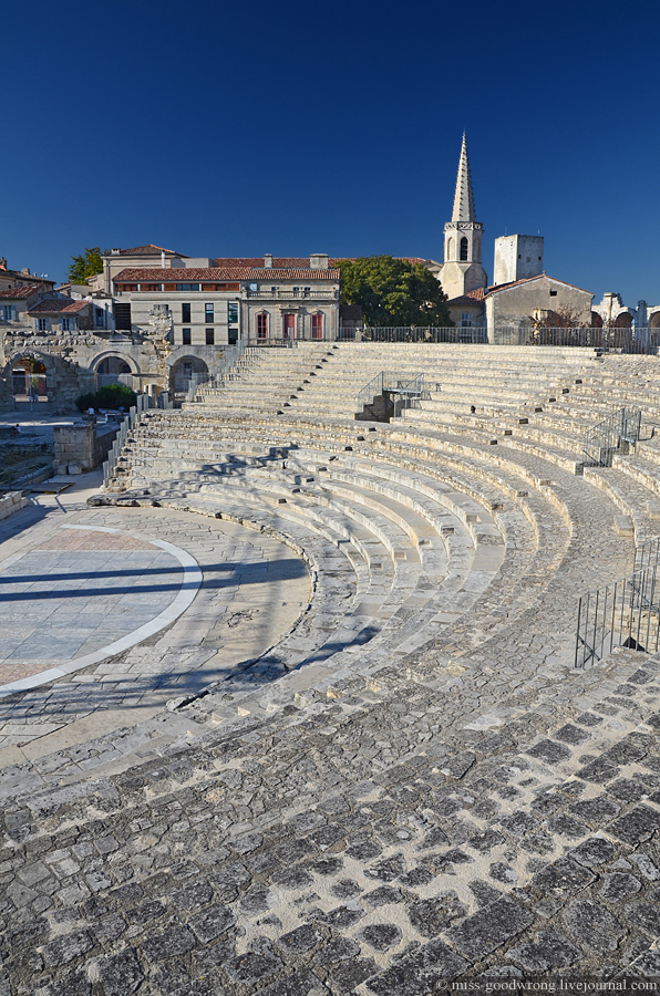 52 Arles