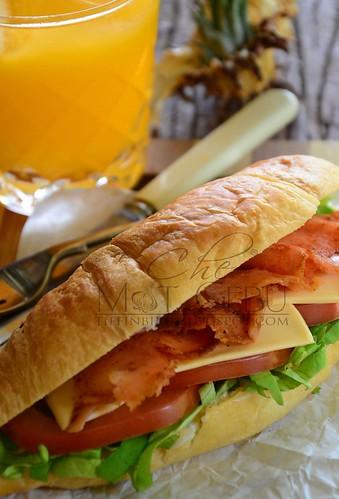 rsz_smoked_salmon_croissant_sandwich