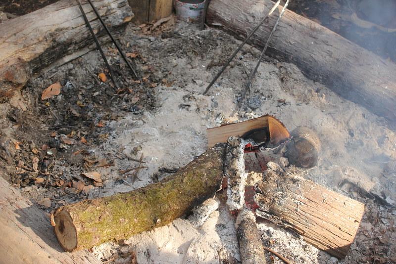 売店の焚火
