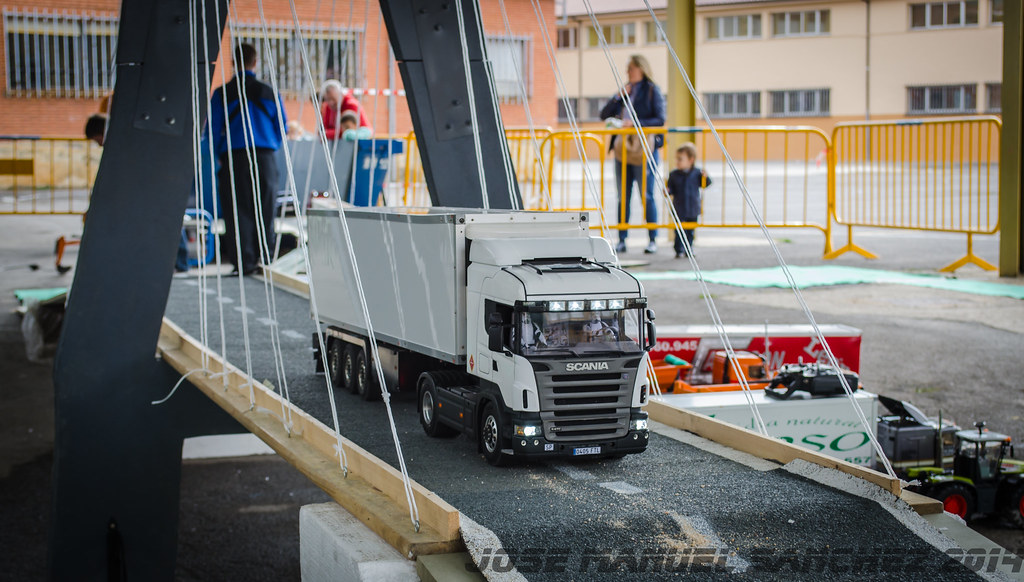 1ª Concentración de Camiones y Maquinaría RC en la Robla - Página 2 15503042586_e5b9de7d55_b