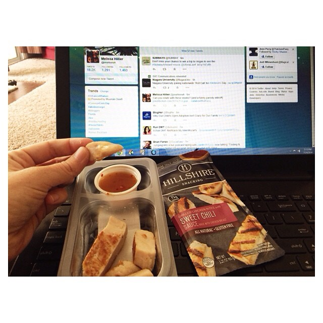 My snack of choice yesterday while working? The NEW Hillshire Snacking Plates are so delicious and LOADED in protein! {yes, twitter is work when you work in social media😘} #HillshireSnackPros #uniqueway #ad