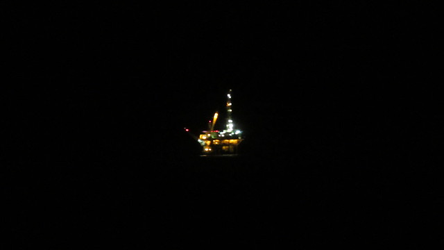 IMG_6496 oil platform Holly lights