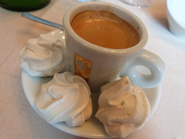 café meringues