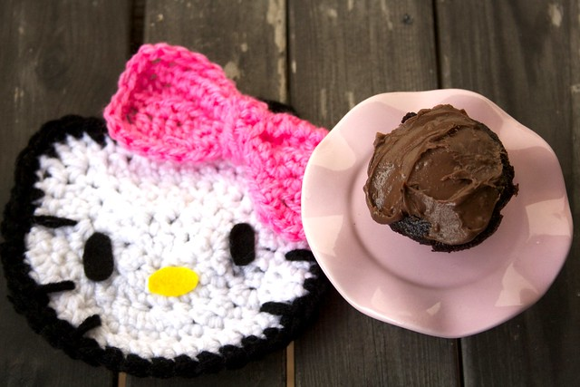 Hello Kitty Mini Chocolate Cupcakes