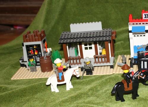 6765_Lego_Western_Main_Street_26