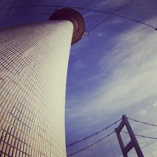 モザイクタイル張りの灯台