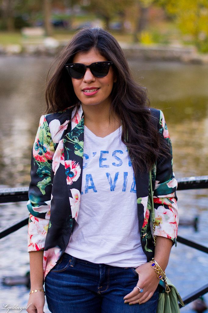 Jeans, graphic tee, floral blazer, converse-7.jpg