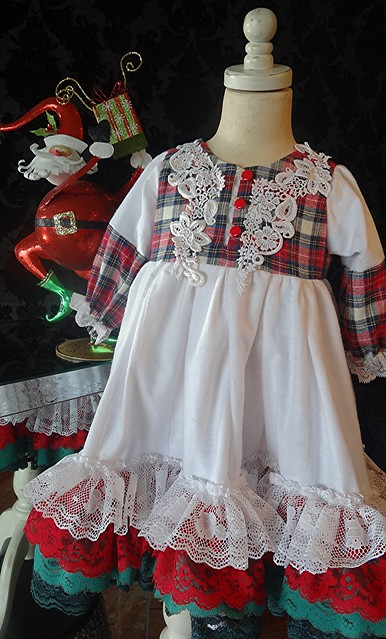 Little girls vintage lace trimmed Christmas long nightgown by Rosanna Hope for Babybonbons