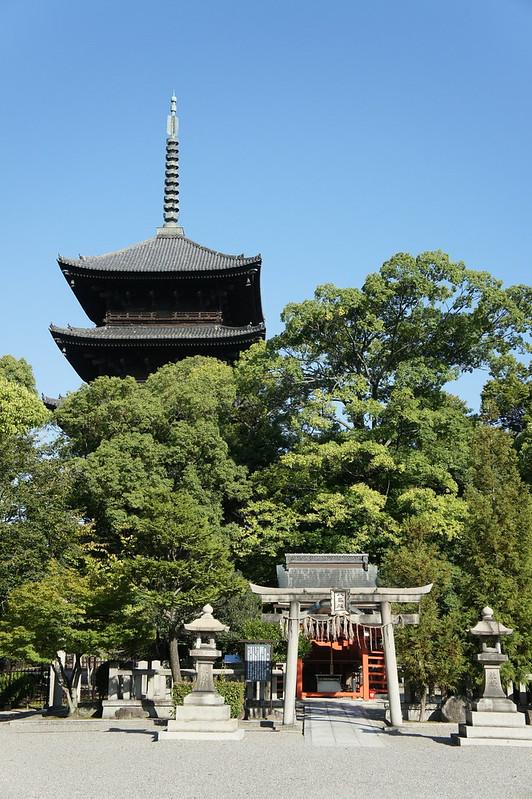 東寺 五重塔と八嶋社