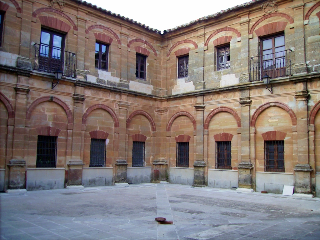 Patio barroco del convento de los Agustinos. Autor, Excmo. Ayuntamiento de Fuenllana