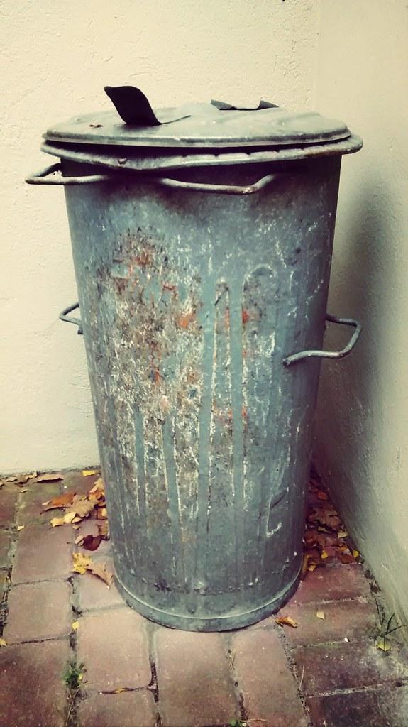 DDR Mülltonne