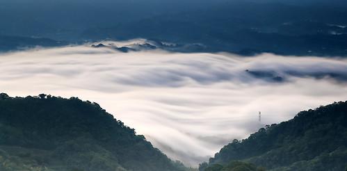 sunset cloud canon landscape dusk cottage taiwan 夕陽 rays 台灣 miaoli 風景 hy bai 大湖 苗栗 seaofclouds 三義 dahu 攝影 sanyi 山莊 霞光 雲洞 yundon fave50 流雲 琉璃光 hybbai