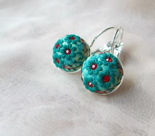 Emerald Green Flower earrings by Lena Handmade Jewelry