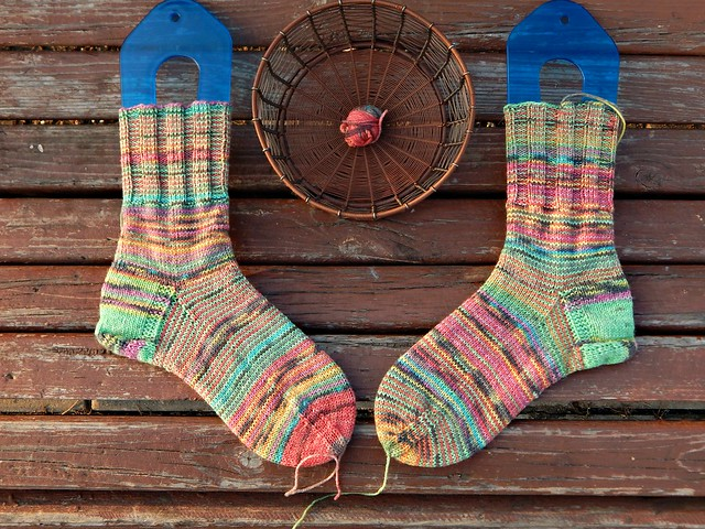 два носка и остаток пряжи | two socks and leftover yarn