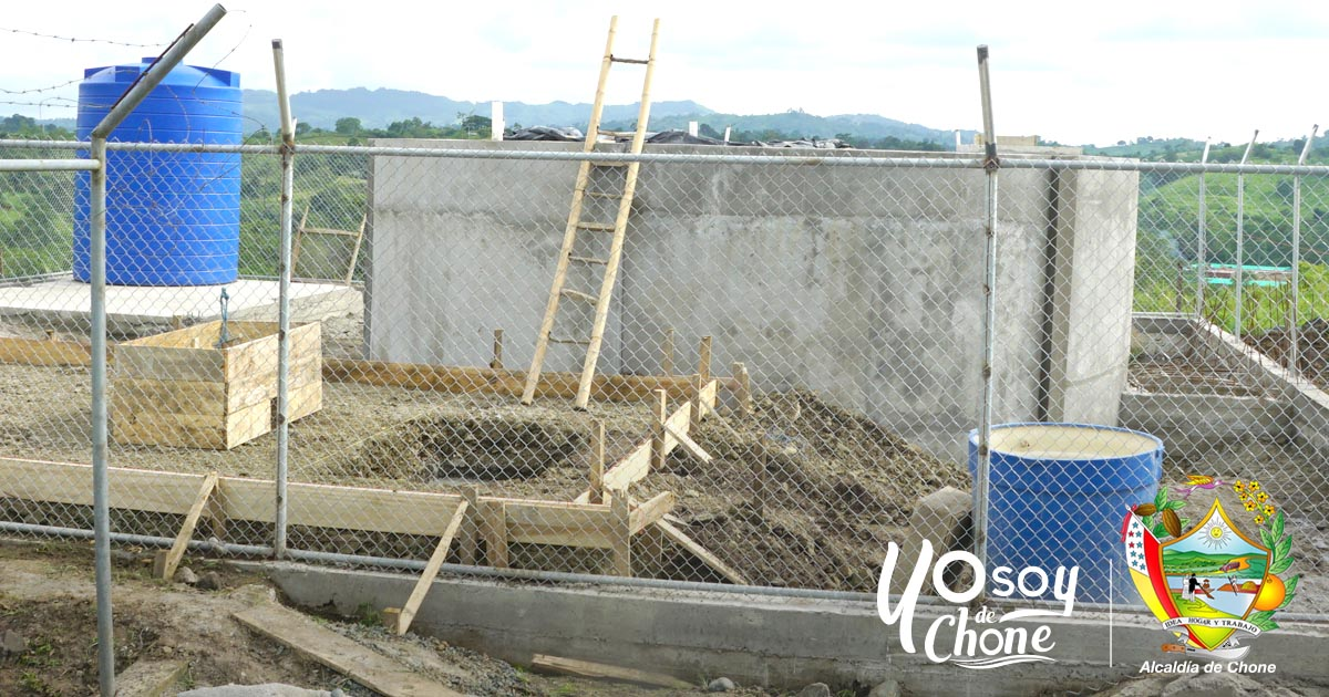 El sistema de dotación de agua potable de la parroquia Eloy Alfaro con el 40% de avance en obras