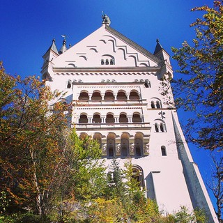 Imposantes Gebäude ;) Aber irgendwie nur von außen toll. Innen wars eher so jaja... Leider. #schlossneuschwanstein #Bayern #Urlaub