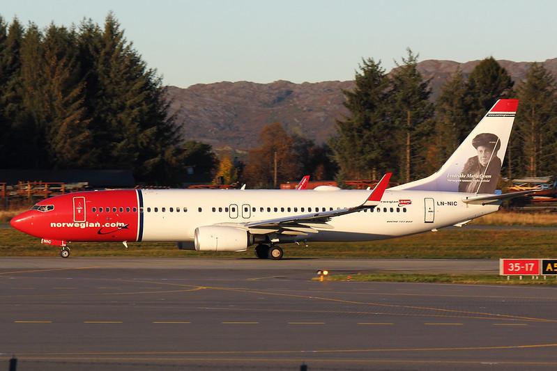 Norwegian - B738 - LN-NIC (1)
