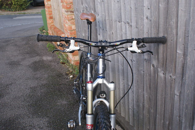 9832d6681dd I bought for £300 from a Bikeradar ad 18 months ago and would like £270 . I  am in High Wycombe and can bring the bike to London with ease.