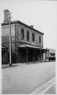 White Conduit Hotel, North Street, 1941