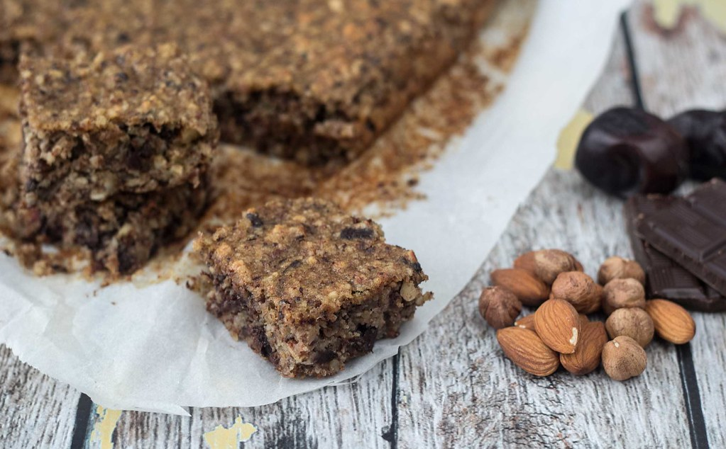 Recipe for Homemade Healthy Banana Cake with Chocolate and Dates