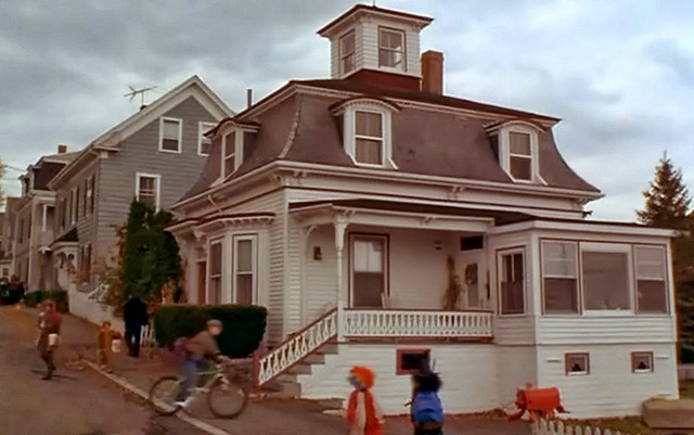 dennison-house-hocus-pocus
