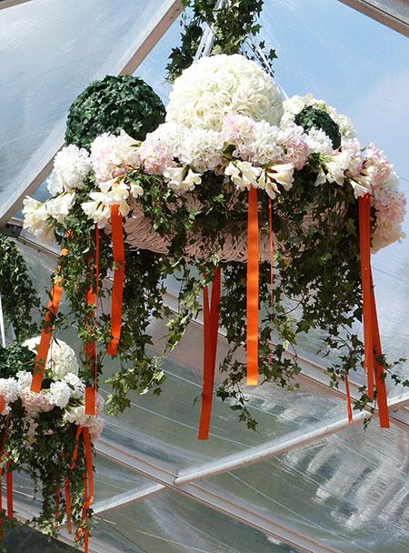 fleurs accrochées