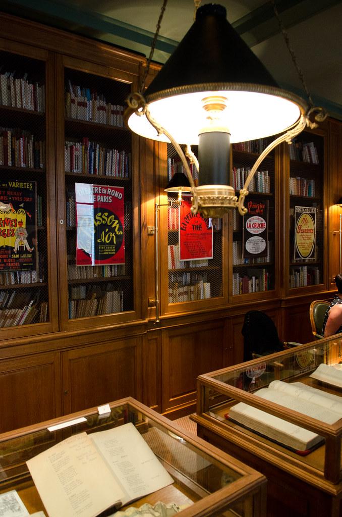 La bibliothèque de la SACD