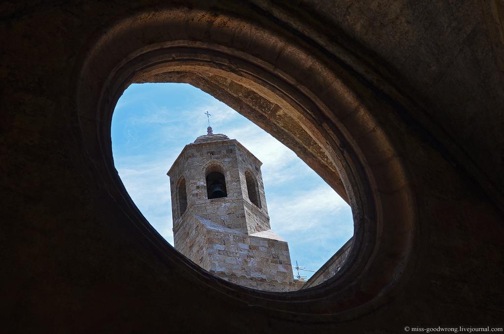 23 Abbaye de Fontfroide