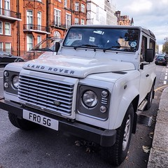 Landie Friday 2: a classic 90. #landrover #landie #defender #landyfriday #landiefriday #london #suv #4wd #4x4 #classiccars #cars #carporn #carspotter #carlover #luxurycars #luxuryliving #luciensmith #brochureshot