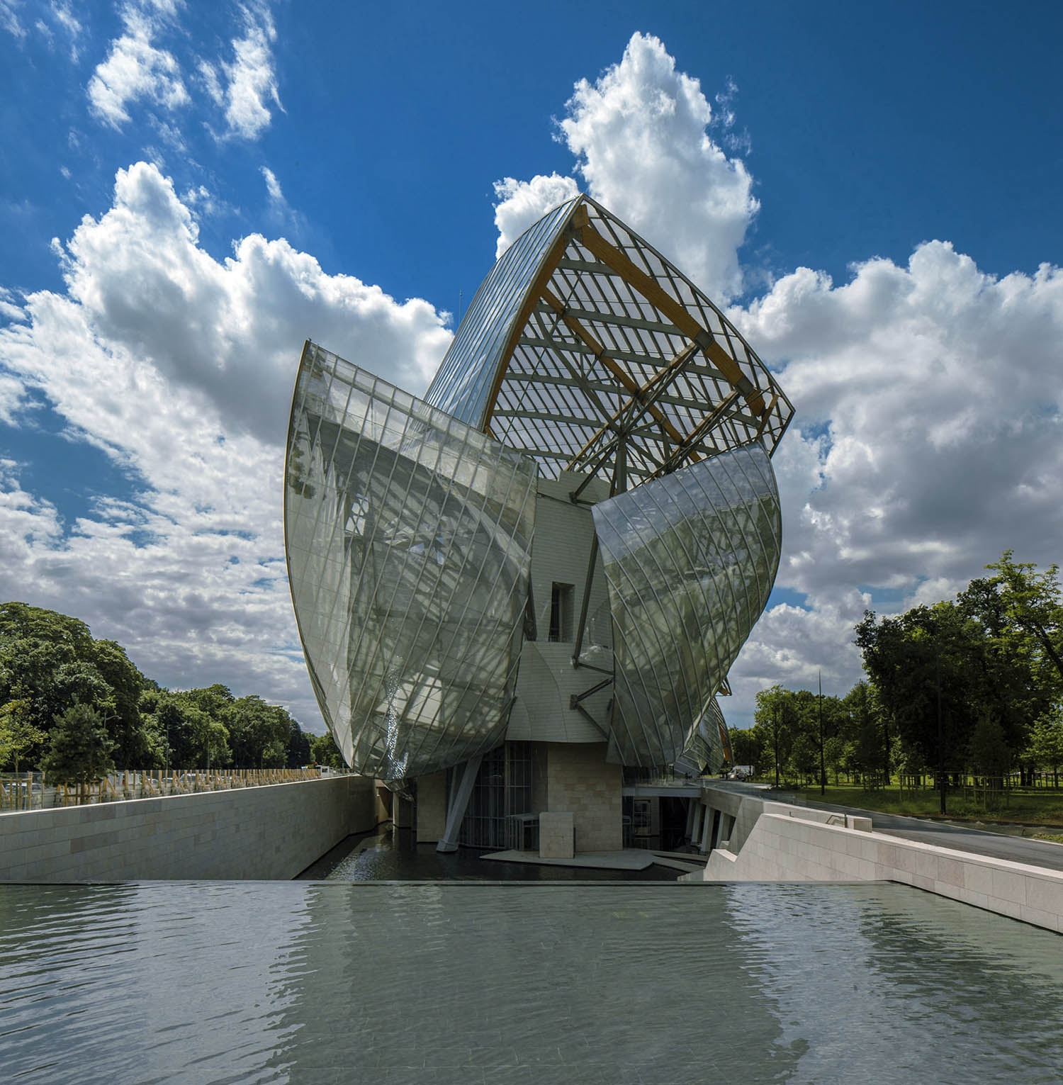 mm_Fondation Louis Vuitton design by Gehry Partners_03
