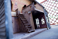 AbandonedDollHouse-5