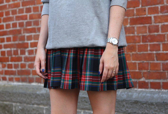09cfd7e86 outfit sweatshirt vintage plaid skirt vintage plaid skirt zadig & voltaire  watch zara patent chelsea boots