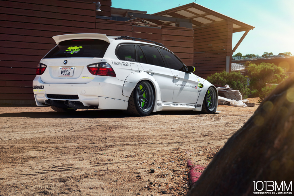 RicFlare Liberty Walk BMW 3-Series Wagon